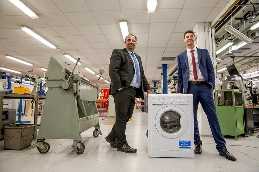 22-latek zrewolucjonizuje rynek pralek?!