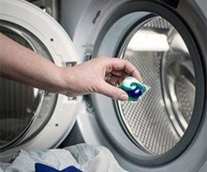 Jak używać kapsułek do prania, żeby nie zepsuć pralki?