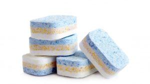 Co jest lepsze do zmywarki, tabletki czy płyn ?