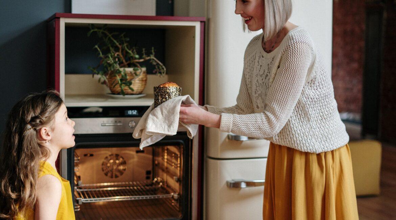 czyszczenie przypalonego piekarnika
